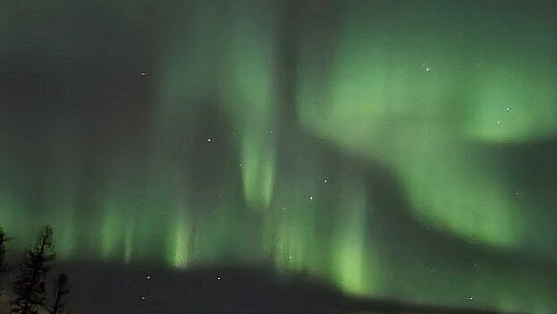Mod nord er nordlyset mere tydeligt. Nicolai Winther Nielsen har sendt dette billede af nattens nordlys fra Luleå i Sverige. Foto: Nicolai Winther Nielsen / Seerbillede