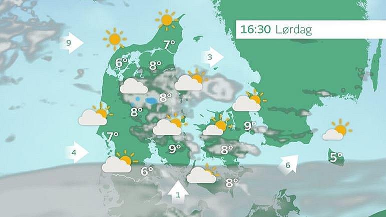 Drivende skyer på himlen, i midt og østjylland risiko for en byge.