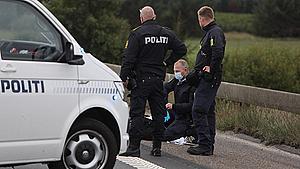 Varetægtsfængslet efter knivstik på motorvej
