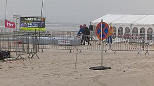 Faldskærmskonkurrence forsinkes af dårligt vejr