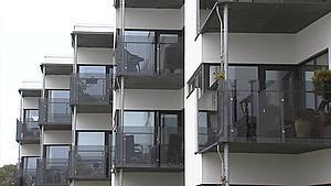 Vand i vinduerne: Millionskader i prisbelønnet byggeri